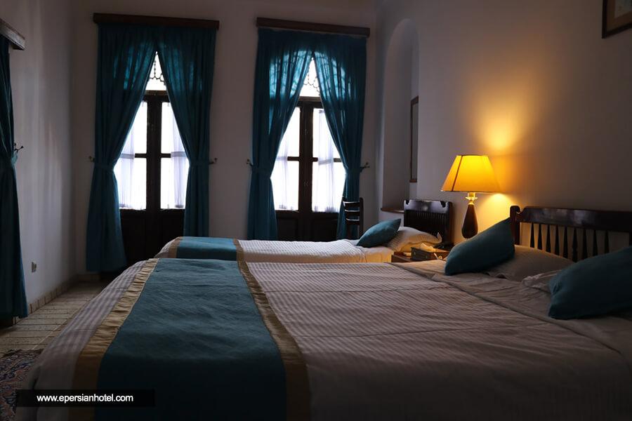 هتل لاله یزد اتاق سه تخته