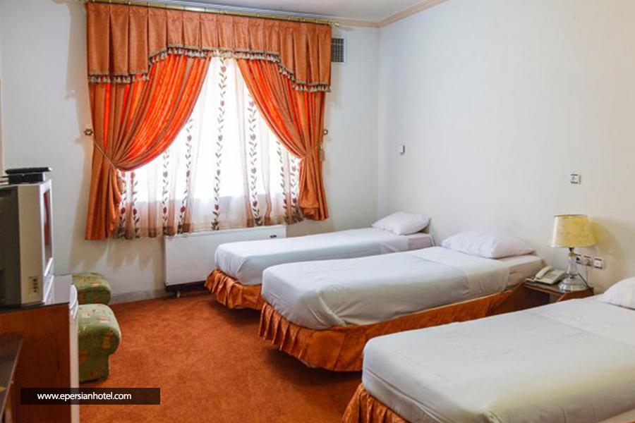 هتل تهرانی یزد اتاق سه تخته