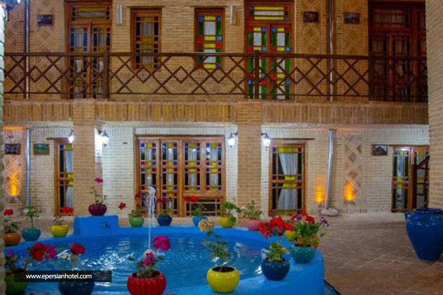 اقامتگاه سنتی ددمان زنجان نما