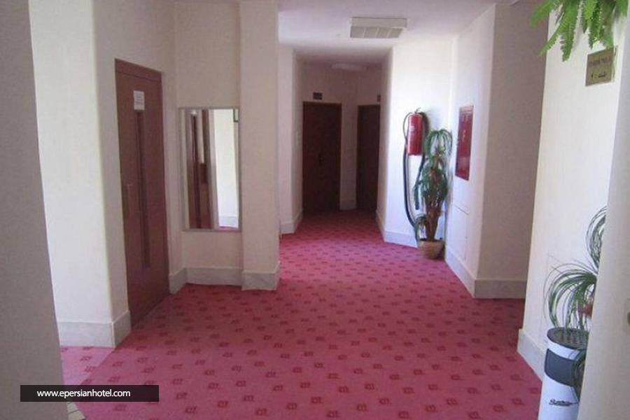 هتل آپارتمان سپهر زنجان راهرو