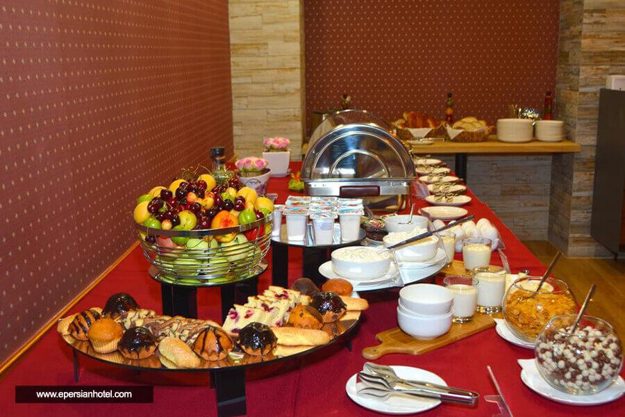 هتل ردلاین تفلیس رستوران