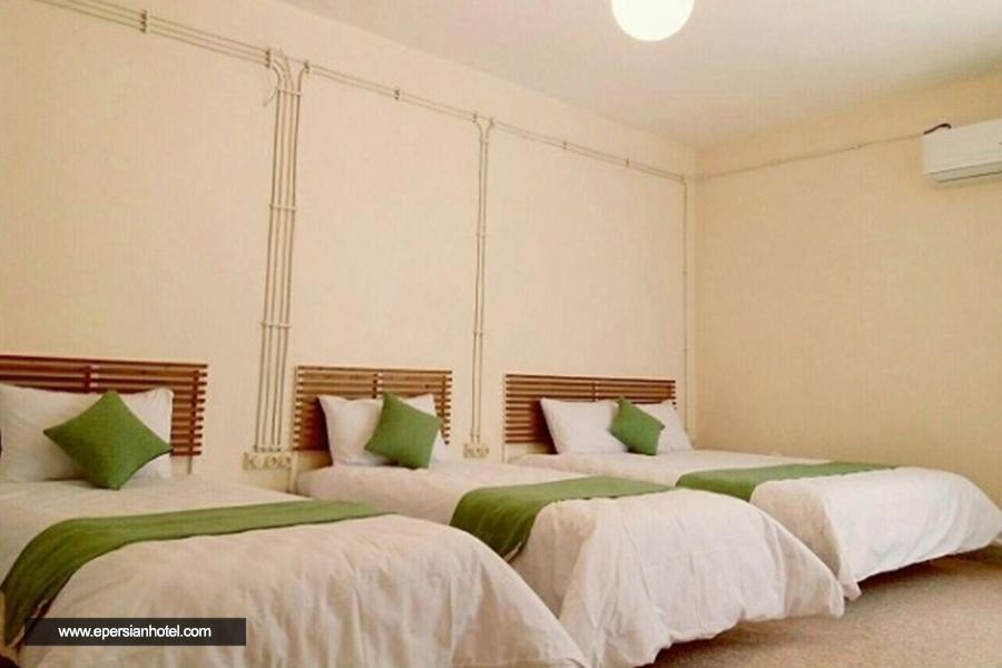 هتل اقامتگاه بومگردی شیدگر مرودشت اتاق سه تخته