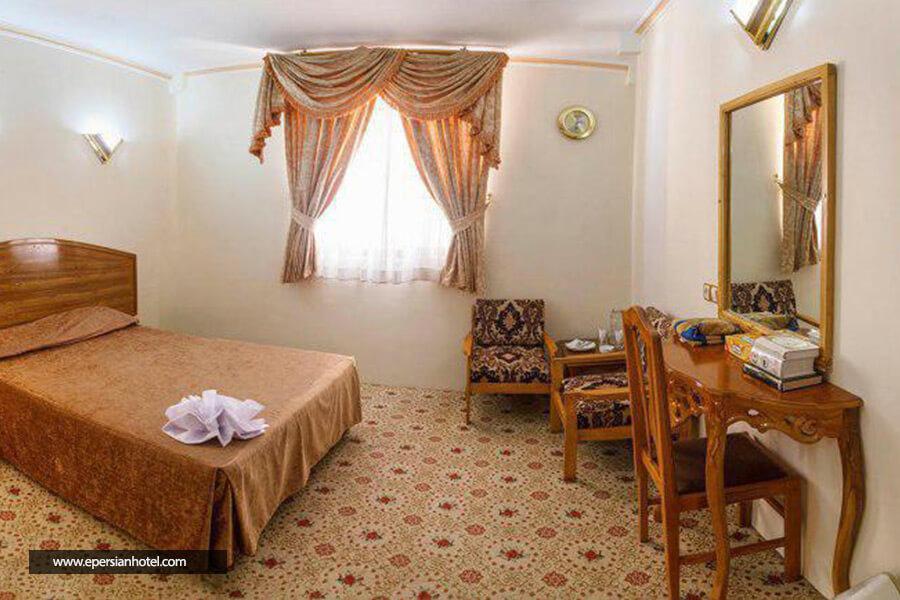 هتل شیراز مشهد اتاق دو تخته دابل