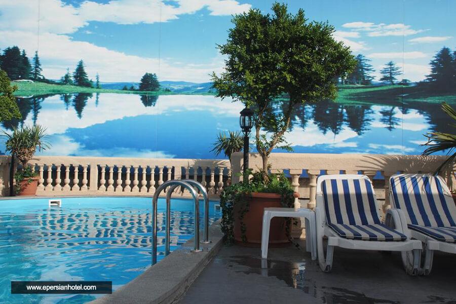 هتل ورا پالاس تفلیس استخر