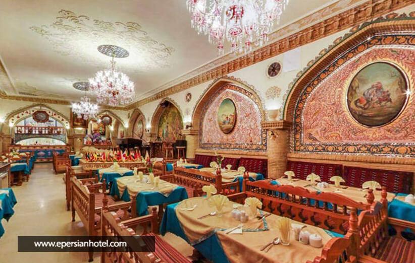 تجربه صرف غذا در عالی قاپو تهران