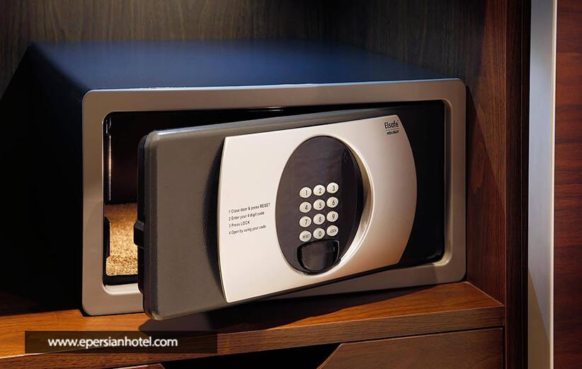 صندوق امانات در هتل