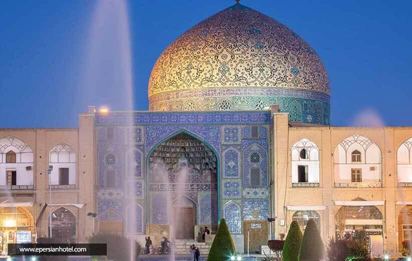 مسجد شیخ لطف الله اصفهان، میعادگاه نور و کاشی