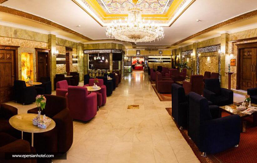 چگونه هتل عالی قاپو اصفهان را رزرو کنیم؟